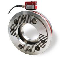 Optimierung des Antriebsstrangs im LKW -  Rotierender Kombiaufnehmer für die Gelenkwelle, basierend auf Sensortelemetrie